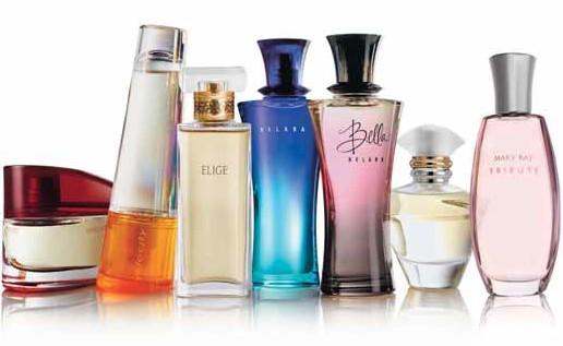 На фото: парфюмерия